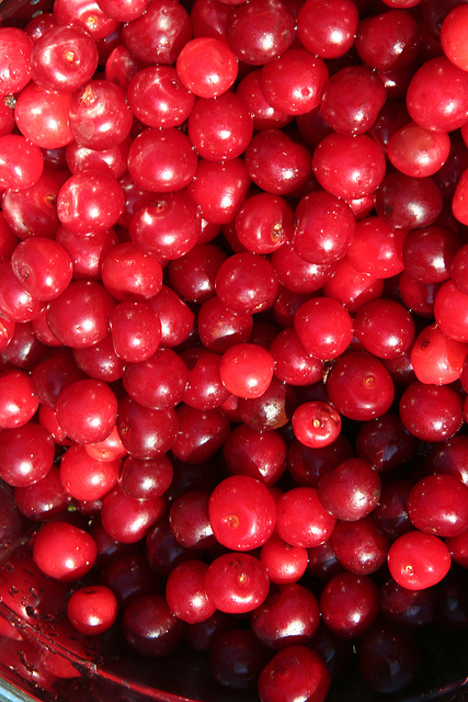 A photo of cherries